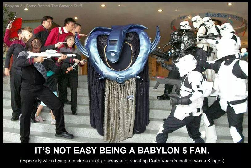 Während die einen nur hell oder Dunkel kennen, stehen B5-Fans zwischen dem Licht (Star Wars) und dem Schatten (Voyager)