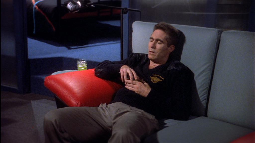 """""""Heute kam ein fetter Weltraumpirat in den Schuhladen!"""" Al Sinclair will nur noch ins Bett. Allein. Ohne seine schreckliche rothaarige Freundin."""