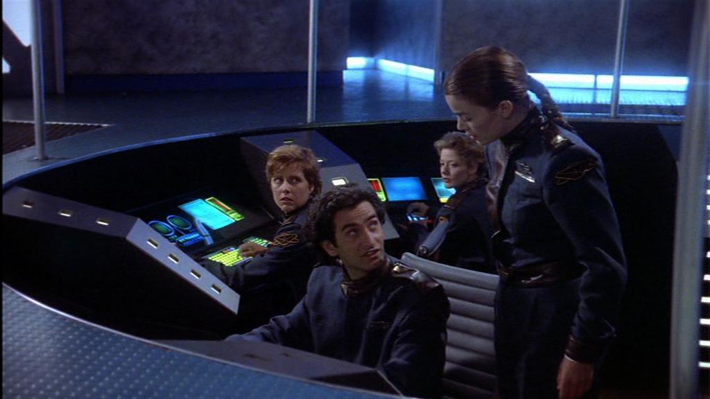 """""""Wenn Sie noch einmal mit Ihrem selbstgebauten Lichtschwert die Konsole zerlegen, gibts Ärger!"""" - """"Ehrlich, Lt Commander, sie müssen mich da mit jemandem verwechseln!"""" Die Macht erwacht in diesem namenlosen Brückenoffizier, der Duplo Ren, der es scon gewohnt ist, für seinen emo-Halbbruder gehalten zu werden"""